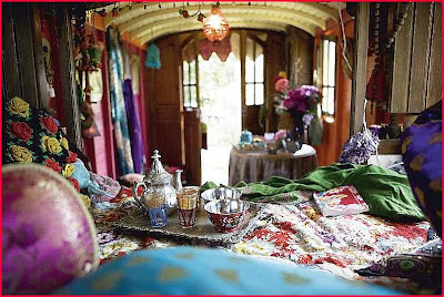 Modern Gypsy Caravans http://sophismpress.blogspot.com/2009/05/gypsy-magic.html