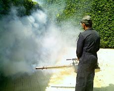 Fumigación contra El Dengue en la UNE.