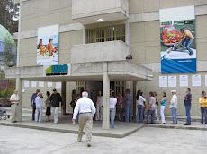 Los Electores del Centro de Votación UNE pasaron velozmente a votar