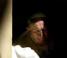 El 4 de abril hace 17 años, Juan Pablo II luchó contra el Diablo en las habitaciones del Vaticano.