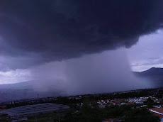 Tornado de baja intensidad hace colapsar a la ciudad de San Cristóbal
