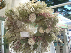 "24"" Wreath Soft colors"
