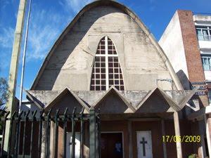 PARROQUIA SANTISIMO NOMBRE DE MARIA, Av. Juan M. de Rosas 550 (ex- Provincias Unidas)