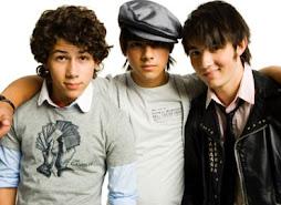 Jonas Brothers :) =)
