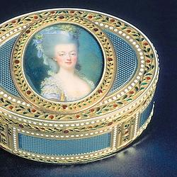 A 18th century gold and enameled box with a beautiful portrait of a Marie Antoinette  sc 1 st  Southern Folk Artist u0026 Antiques Dealer/Collector & Southern Folk Artist u0026 Antiques Dealer/Collector: Marie Antoinette ... Aboutintivar.Com