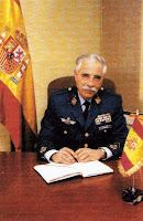 José María Pilón S.J fundó el grupo Hepta de parapsicología Gral+Chamorro+jefe+directo+de+Bastida