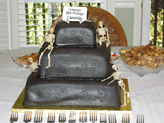 The amazing Halloween b-day cake!