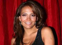 Fabiola Campomanes es Alicia