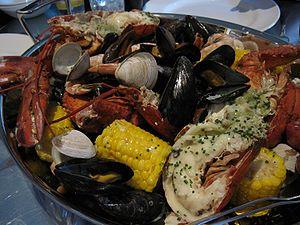300px-New_England_clam_bake.jpg