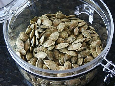 can you eat pumpkin seeds whole
