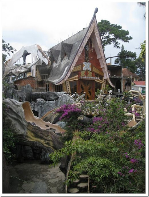 Craziest Architecture Crazy House Spooky Tree House