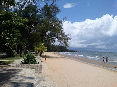 tanjung aru beach sabah
