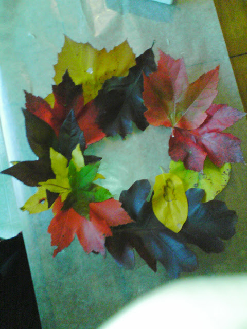 How to make a fall leaf wreath and preserve the real leaves.