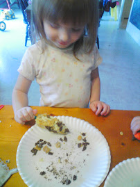 Easy Toddler and Preschool Snack Kids can make with Bananas