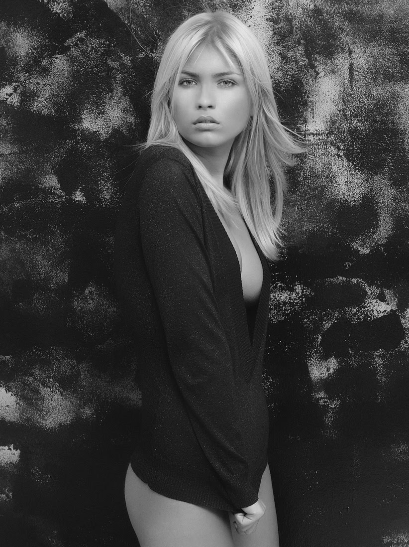 Nicoleta Macarencu Nude Photos 67