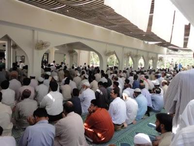 http://3.bp.blogspot.com/_GnNdwtcASlw/TM_RA7bqYqI/AAAAAAAAFW4/zqrreo1eI8Q/s400/No+1+Jamaah+di+Masjid+e+Abu+Bakar.JPG