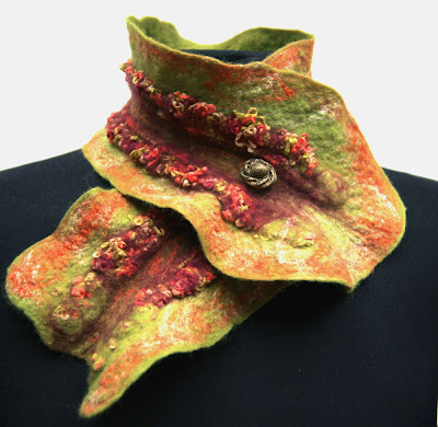 brown, yarn, felt, felted, green, handmade, merino wool, olive, red, ruffled scarf, ruffles, scarf, scarflette, silk, wool