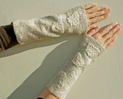 wristwarmers, mittens, fingerless glove, felt, nuno felting
