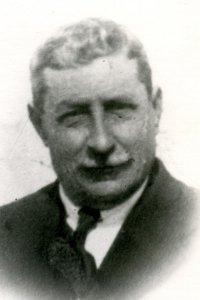 D. MANUEL RAEZ QUESADA