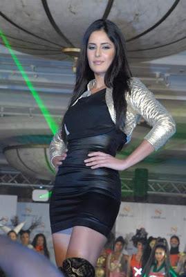 Bollywood actress katrina kaif hot actions in new style