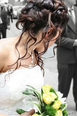 Невесты - аномально красивы, а их прически - произведение искусства.  Сделал, для вас, подборочку фото...