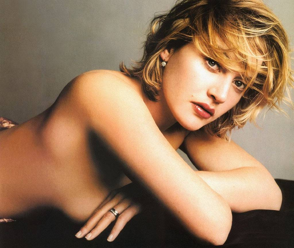 http://3.bp.blogspot.com/_GqbVih-dOb8/S93aCWqWH4I/AAAAAAAAADI/dHmmZvFHfd4/s1600/hot-and-sexy-bikini-pictures-of-celebrity-kate-winslet.jpg