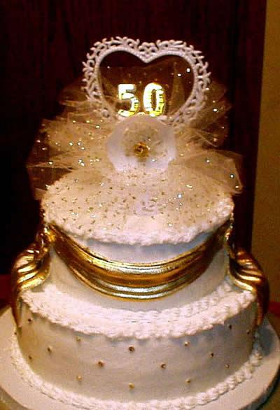 ideas para decorar tortas de bodas de oro