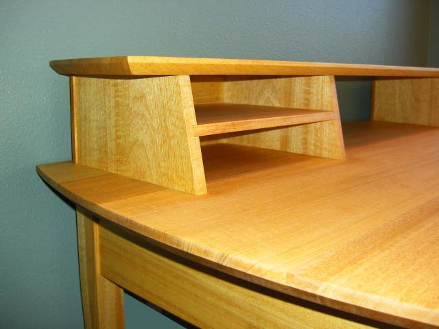 Building A Wooden Desk, Hi... - Amazing Wood Plans