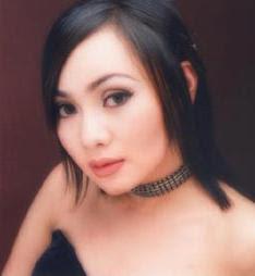 dewi gita penari seksi cantik, artis indonesia seksi, penyanyi seksi, artis sinetron seksi