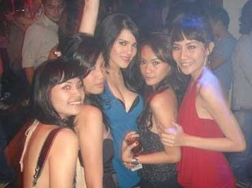 foto artis seksi indonesia dugem, gambar seksi artis indonesia alice norin, artis seksi selingkuh di hotel