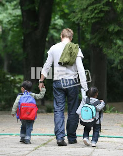 brad pitt Latest Brad Pitt and Babies Photos