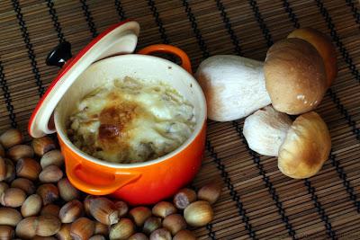 Petites cocotes aux cèpes, noisettes et noix de Saint-Jacques