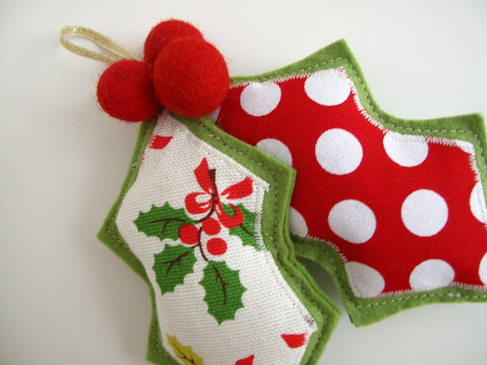 Holly christmas ornaments - Guest Post Felt Holly Decoration Tutorial