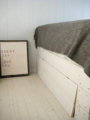 hecho a mano, cama hecha con palés, cama con vistas al mar