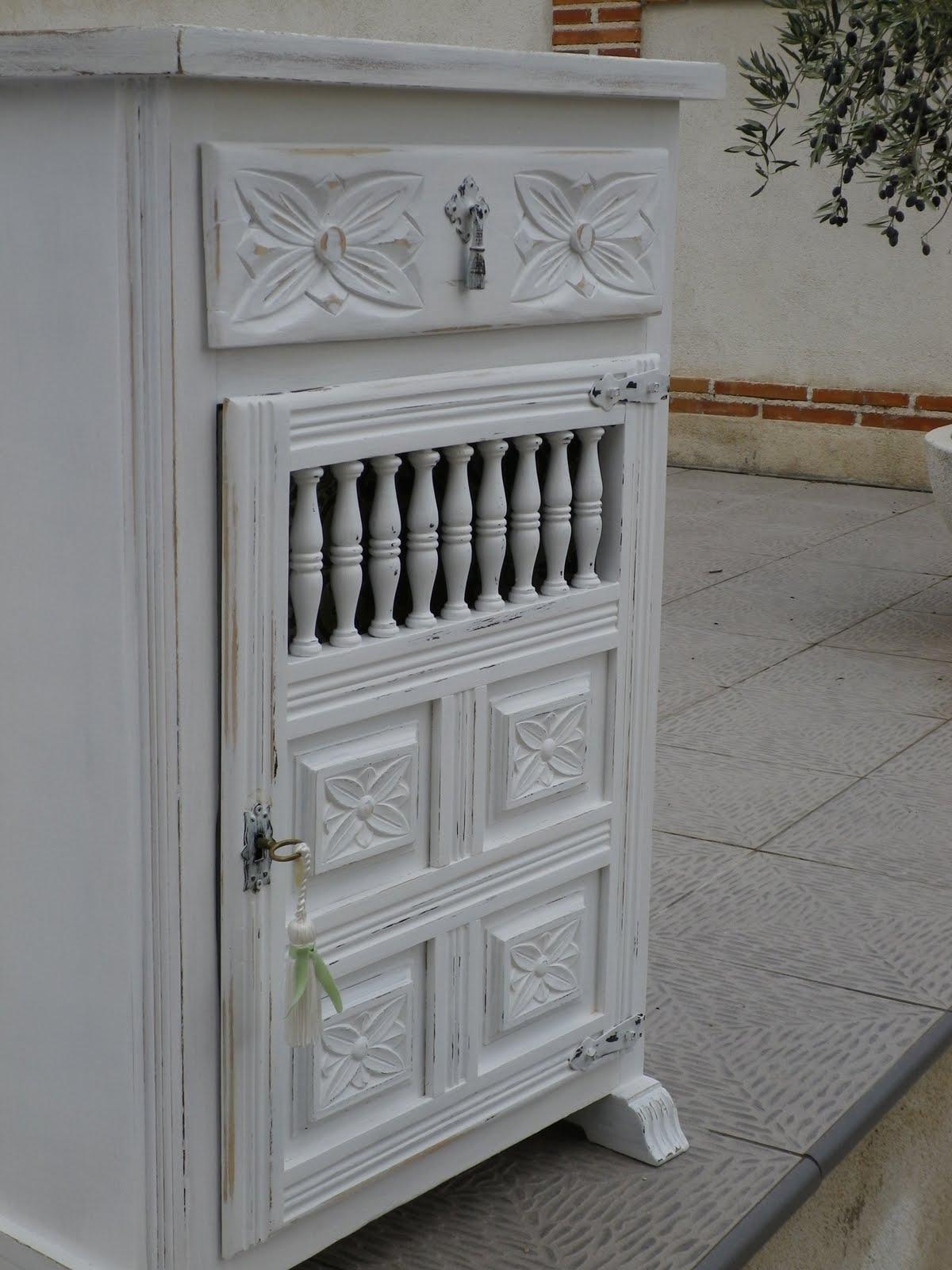 Naifandtastic decoraci n craft hecho a mano - Restaurar muebles con papel ...