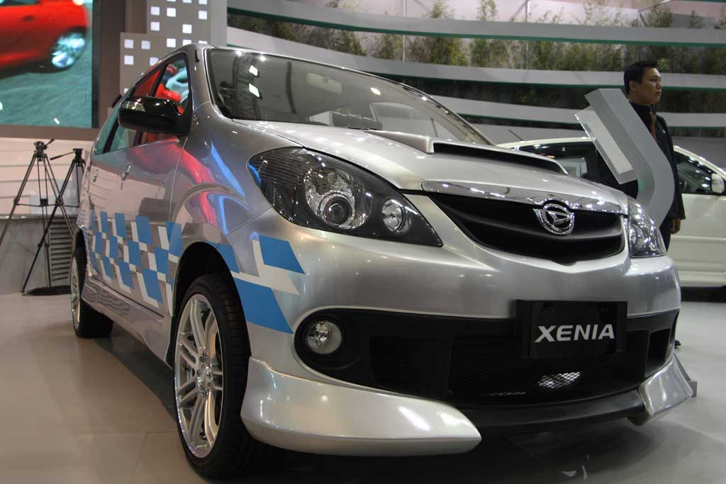 wallpaper the best car: Xenia Car Modification