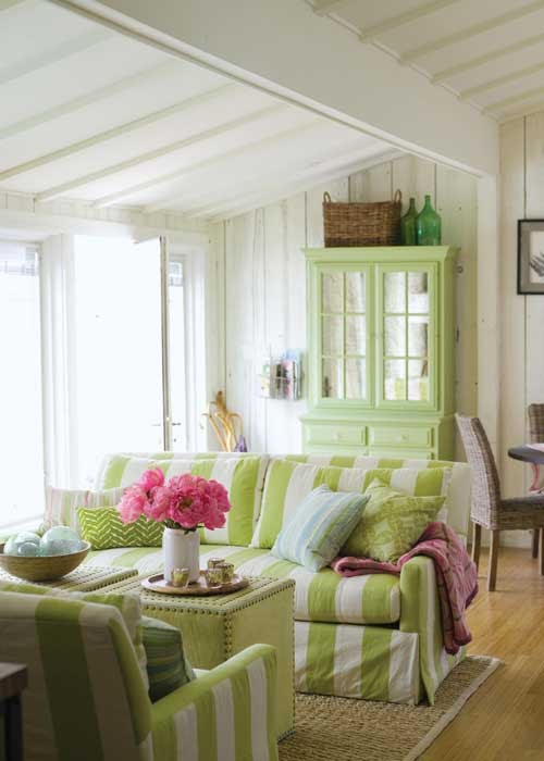 Bring The Beach Back With You Creating Cottage Style In Your Home