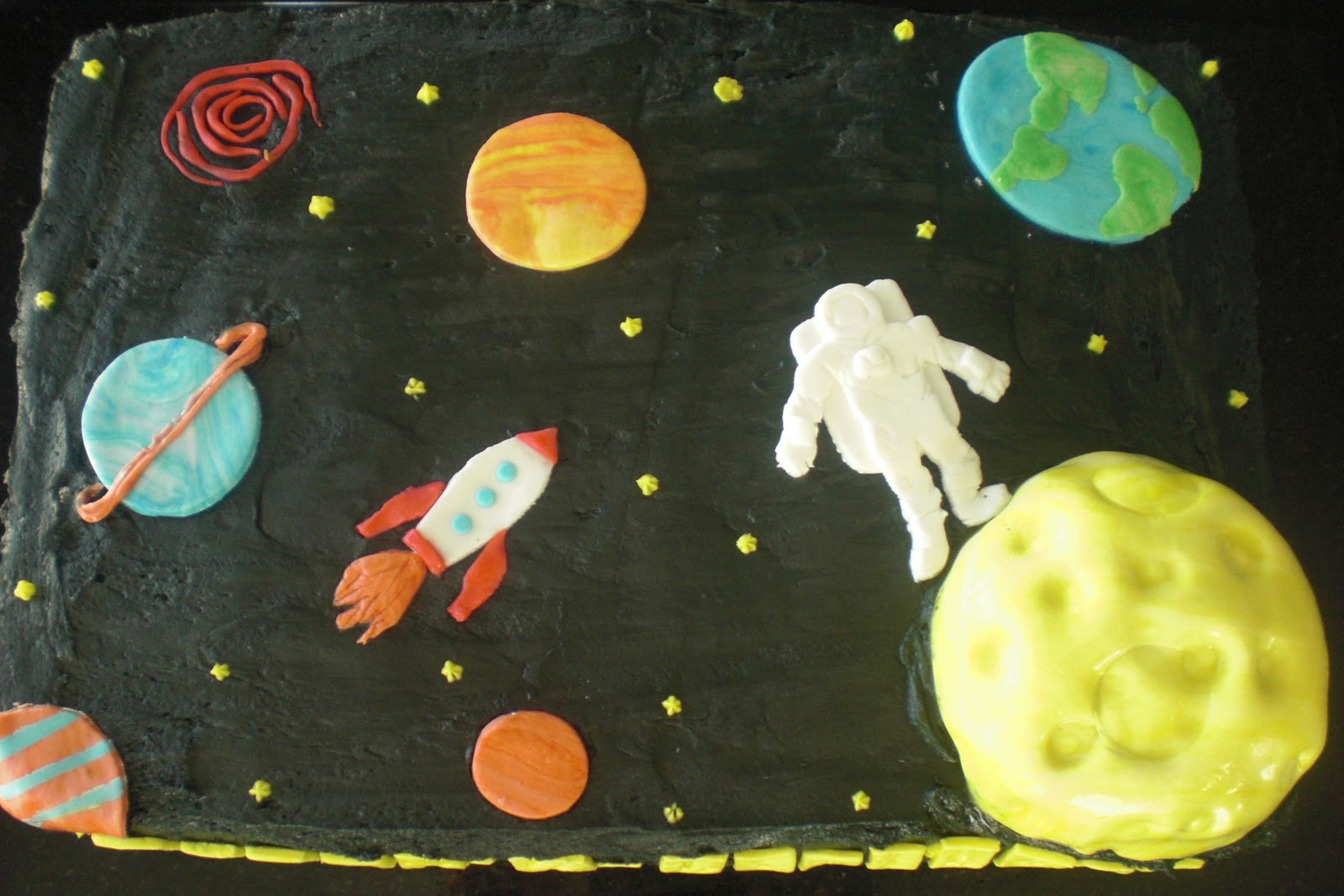 Cakes by patrice outer space cake for Outer space cake design