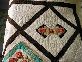 Handkerchief quilt, quilted by Angela Huffman