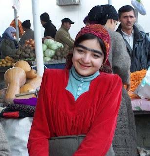 Foto Foto Aneh Rahasia Keindahan Alis Mata Wanita Tajikistan yang