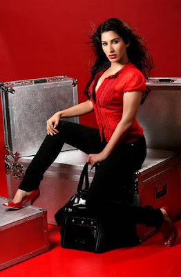 Sophie Choudry Hottest photo at Magazine FHM India