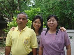 หนูรักพ่อและแม่นะคะ