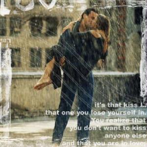 هديتي إليك فهل ستلاقي موقعها لديك kiss_of_love.jpg