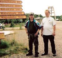 Alf Johansson och bloggaren vid bron över Kalixälven i Lappensuando