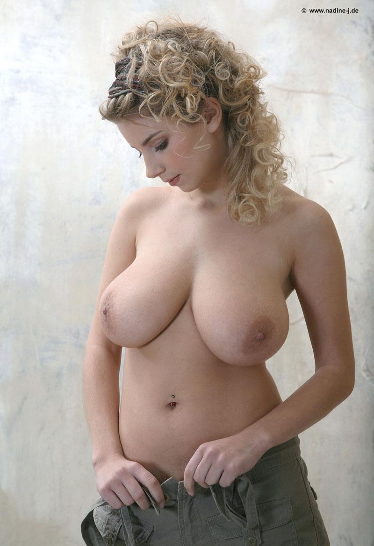 Porno de Tetonas - Jovenes con senos grandes