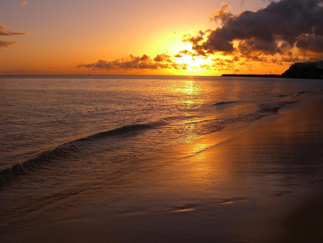 Galer a las cuatro estaciones puesta de sol en fuerteventura for Puesta de sol