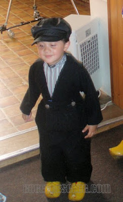 Dutch boy costume