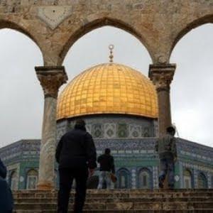 israeli forces raid al-aqsa mosque, the dome of the rock