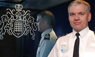 uk top cop died from exposure on welsh mountain; suicide unproven