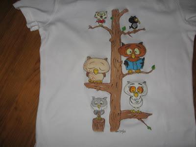 T-shirt com mochos